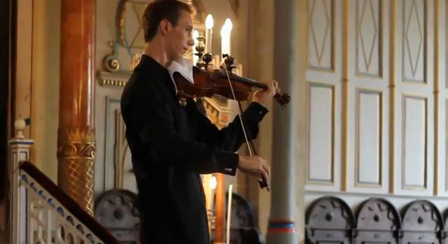 ヴィオラ奏者Lukas Kmit (ルーカス・クミット)