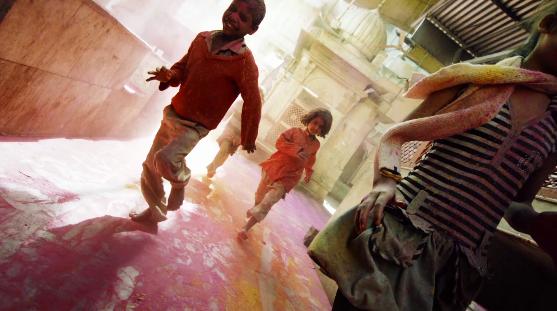 インドやネパールのヒンドゥー教の春祭り ホーリー祭(Holi)